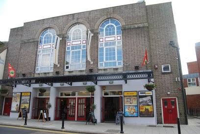 Sevenoaks | The Stag Theatre